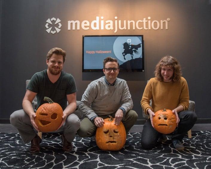 third place pumpkin carvers